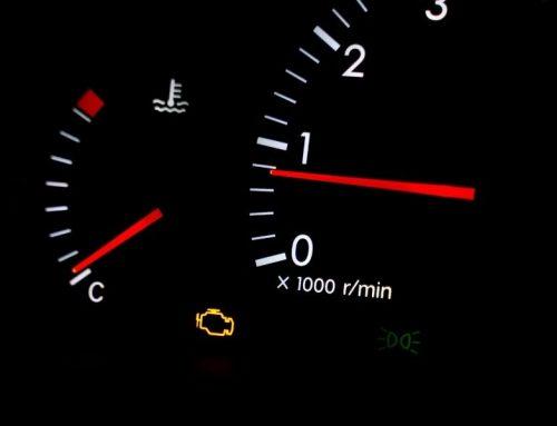 Voyant moteur allumé : quelle causes, quelles solutions ?